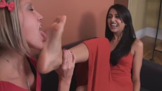Tickle Worship Priya thumb