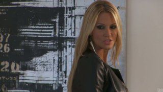 Filthy blonde hooker Jessica Drake getting her both holes used thumb