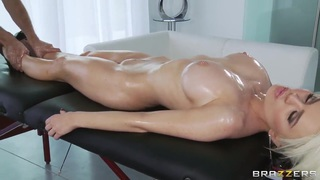 Keiran Lee's oiled massage makes Alexis Ford's pussy wet and soul_happy thumb