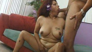 Mature_hawaiian_slut_Flor_sucks_a_hard_young_cock thumb