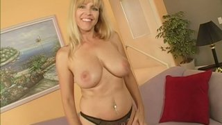 Cougar lady Nicole Moore has horny pussy and big boobies for you thumb