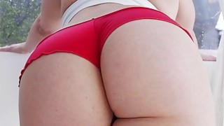 Big ass Alexis Texas gets her pussy stretched afte thumb
