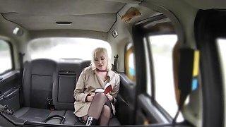 Fake taxi driver bangs blonde reporter thumb