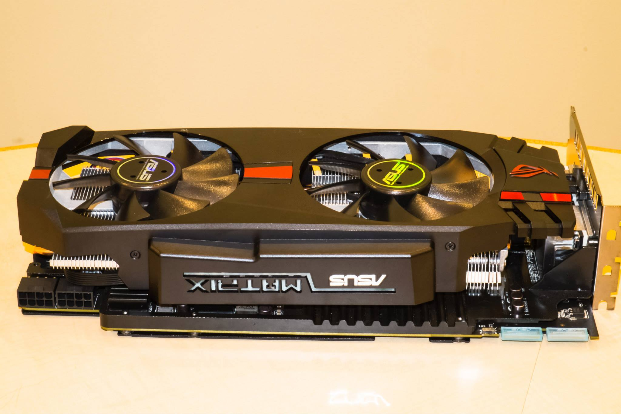 ASUSs Beastly ROG MATRIX R9 280X Platinum Spotted In The Wild Features 20 Phase VRM
