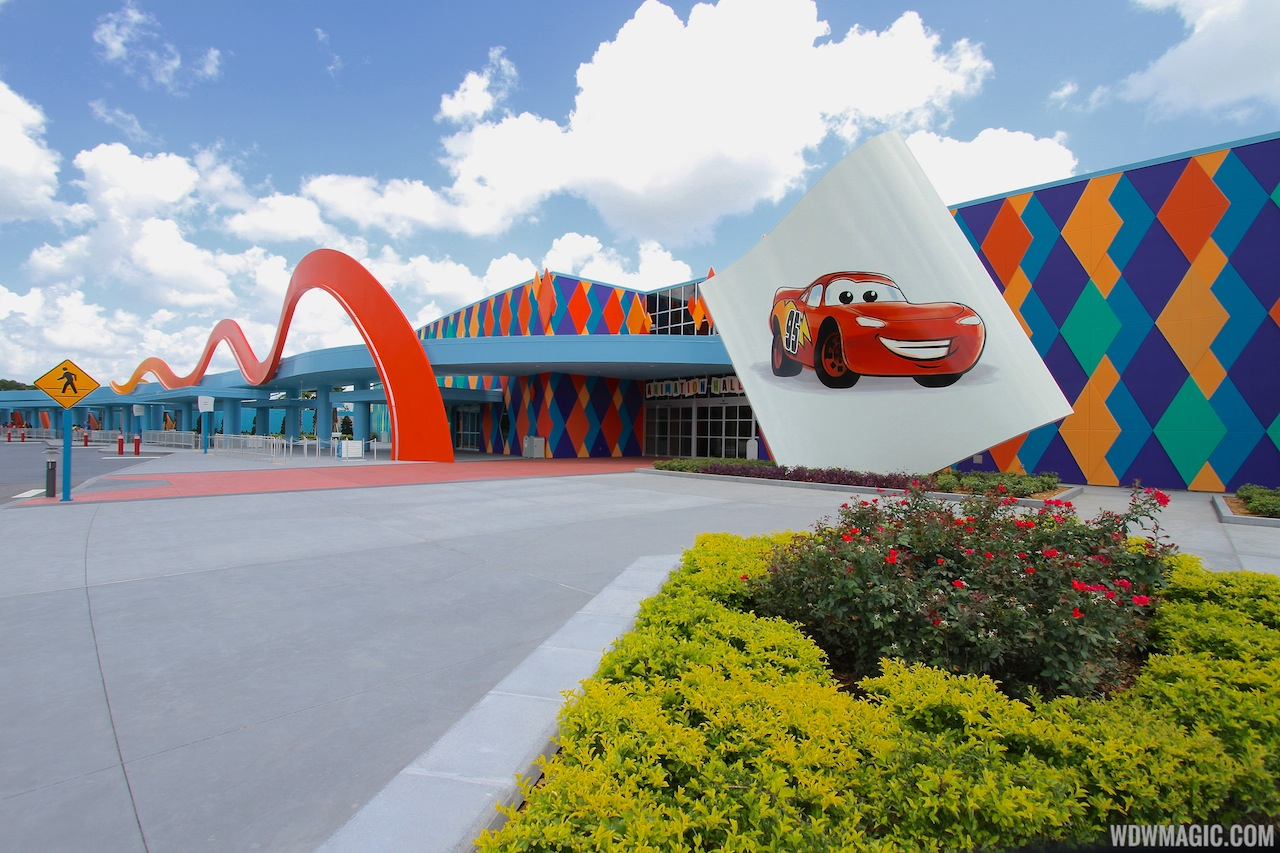 Disney' Art Of Animation - Entrance Bus Stops