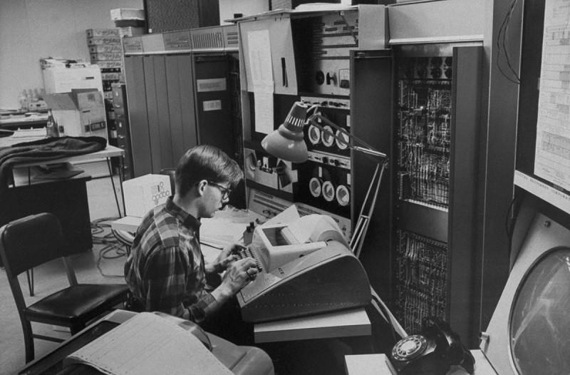 Muere Marvin Minsky, el 'padre' de la inteligencia artificial - marvin-minsky-2-800x526