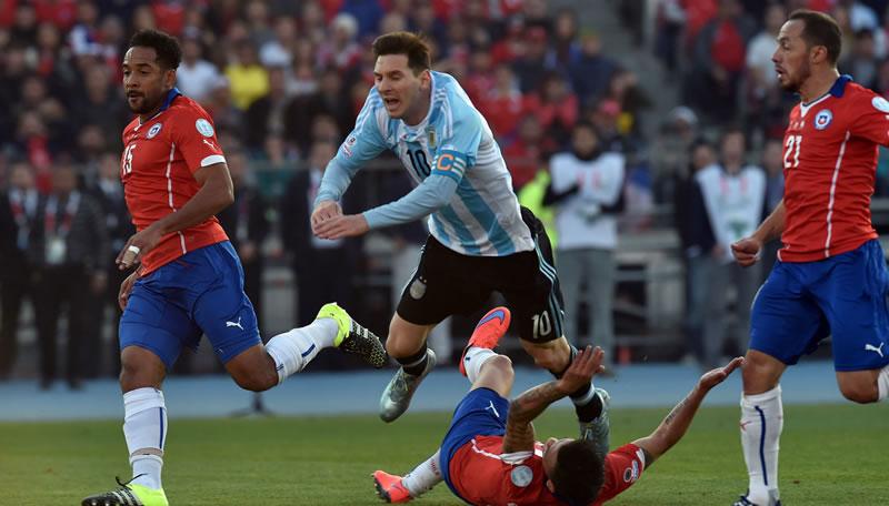 Chile vs Argentina, Eliminatorias Conmebol 2018   Resultado: 1-2 - chile-vs-argentina-eliminatorias-conmebol-2018
