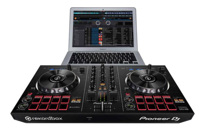 Nuevos controladores Pioneer para DJ, compatibles con Rekordbox DJ - controlador-pioneer-ddj-rb-06-con-rekordbox-dj-800x510