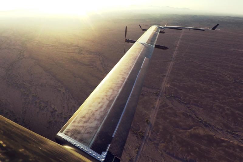 Aquila, el dron de Facebook que lleva internet, realizó su primer vuelo - aquila-facebook-internet