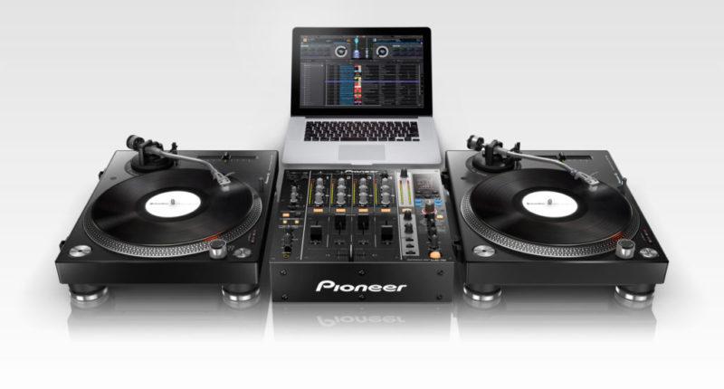 Pioneer anuncia actualización de Rekordbox y lanza el nuevo RMX EFFECTS Plus Pack - plx-500_setcut_djm-750_low_0705-800x430