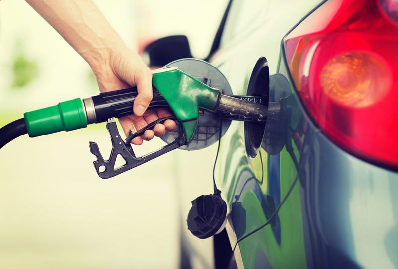 ahorrar gasolina Mitos y verdades sobre cómo ahorrar gasolina