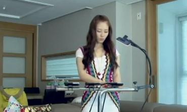 Cantaba usando iPhone's en YouTube y ahora tiene un contrato - Kim-Yeo-hee-cantando-Poker-Face-de-Lady-Gaga