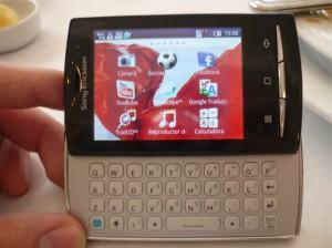 Hands on Xpreria Mini Pro 1 300x224 Nueva gama de celulares Sony Ericsson Xperia