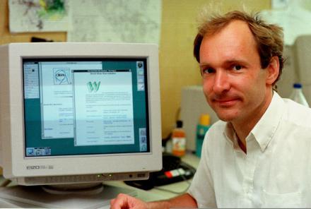 Tim Berners Lee en contra de la información que adquieren las redes sociales - tim-berners-lee-padre-del-internet