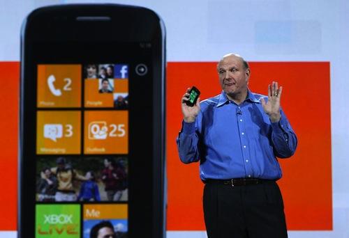 La multitarea e Internet Explorer 9 llegarán a Windows Phone 7 - Microsoft+CEO+Steve+Ballmer+Opens+2011+Consumer+m4nTpmNkgh_l