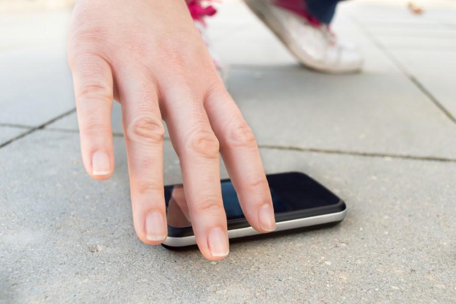 Experimento Avast: Lo que le sucede a un Smartphone perdido - experimento-avast-lo-que-le-sucede-a-un-smartphone-perdido-e1446313701823
