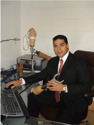 Emprendedor Mexicano produce Prótesis con Impresión 3D Stratasys - luis-armando-bravo-fundador-probionics
