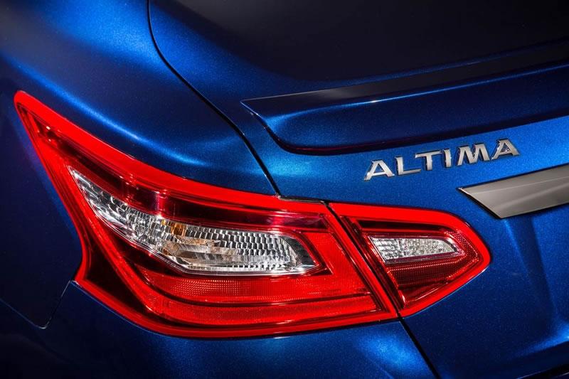 Nissan Altima 2017 es presentado con renovado diseño - nuevo-nissan-altima-2017