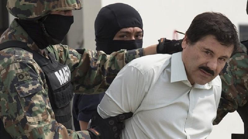 chapo guzman captura 800x450 Circula en redes sociales fotos de recaptura del Chapo Guzmán