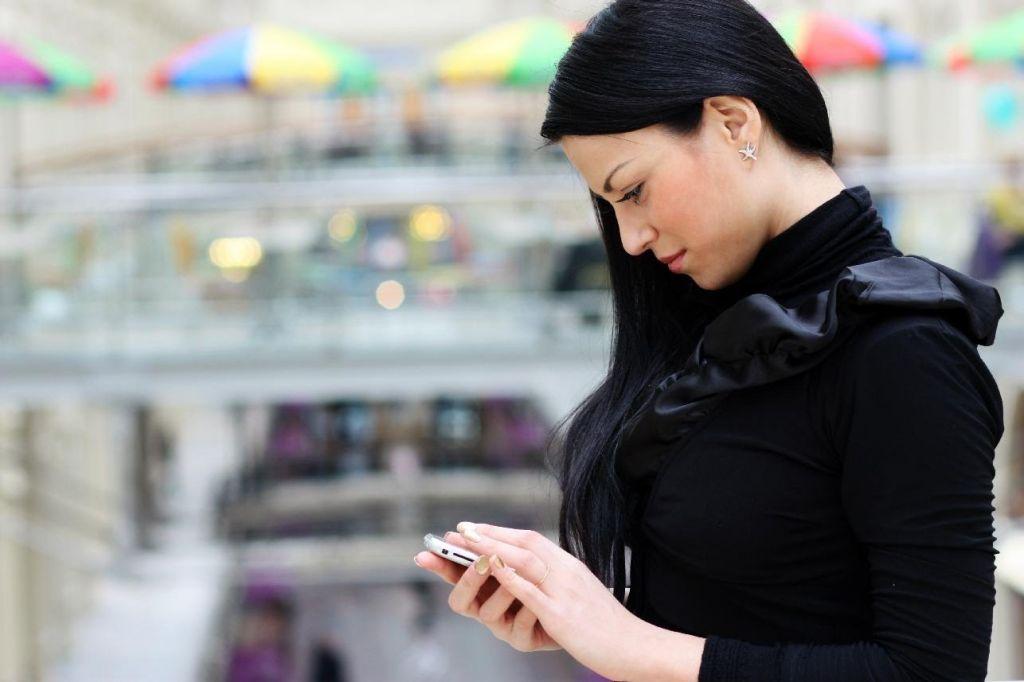 Síndrome de Cuello de Texto afecta mayormente a los jóvenes - sindrome-de-cuello-de-texto