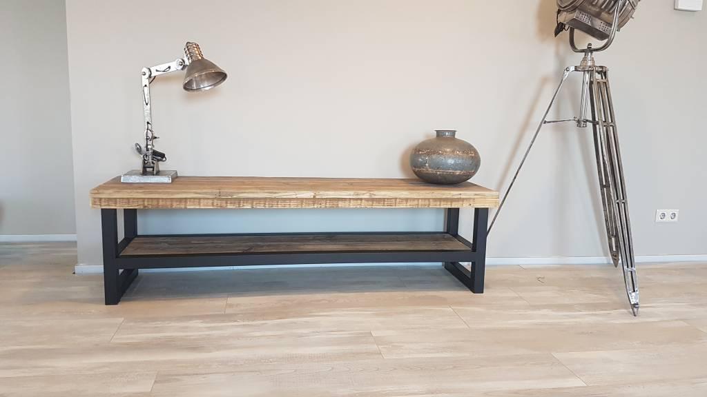 TVmeubel gemaakt van hout en staal  Bestel online of kom