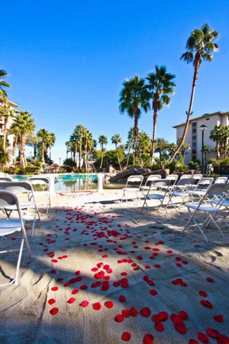 Outdoor Wedding Ceremony Las Vegas