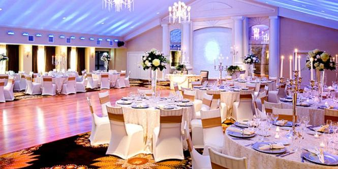 Crystal Falls Banquets At The Crowne Plaza Fairfield Weddings In Nj