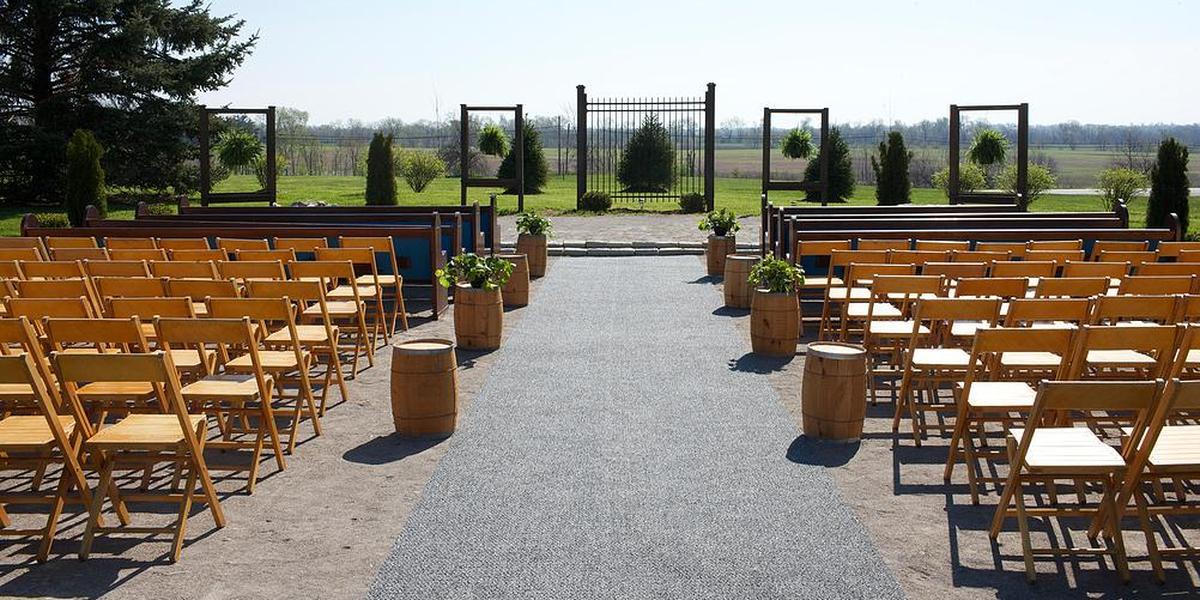 Stones Throw Farm Weddings Get Prices For Wedding