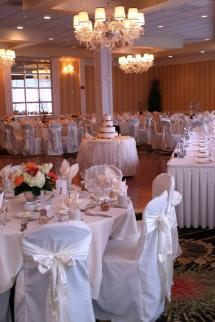 Crowne Plaza Cleveland South - Independence Weddings