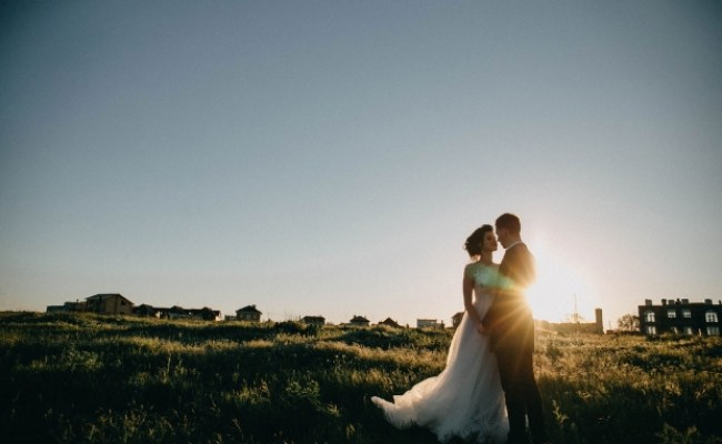 Covid 19 How Does It Affect My Wedding Weddingsonline