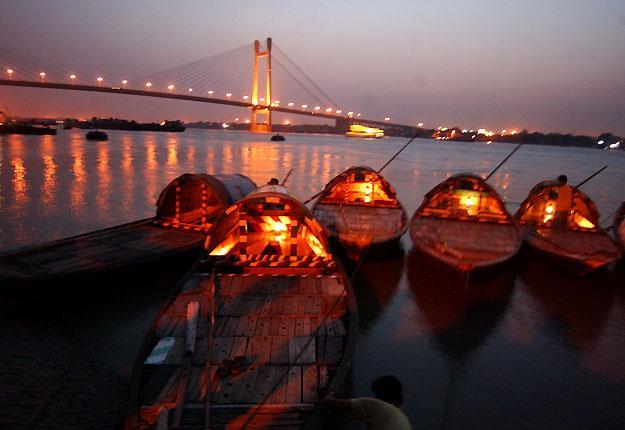 Boats at Prinsep Ghat