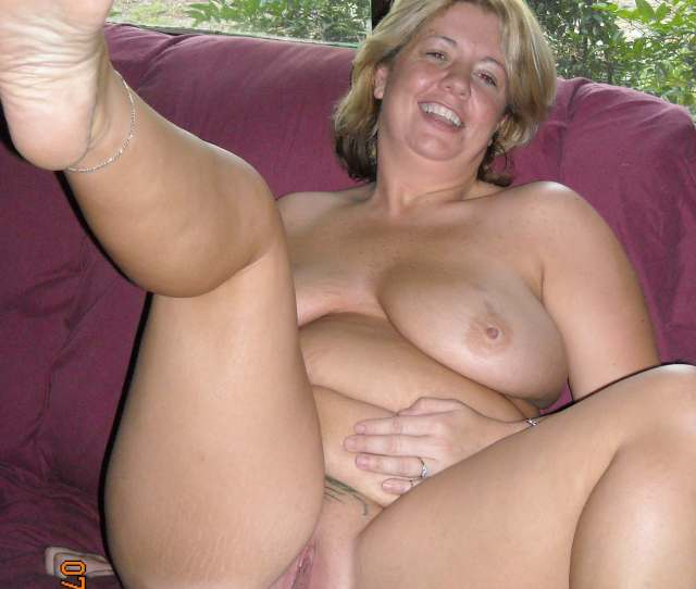 Mature Wife Fully Naked
