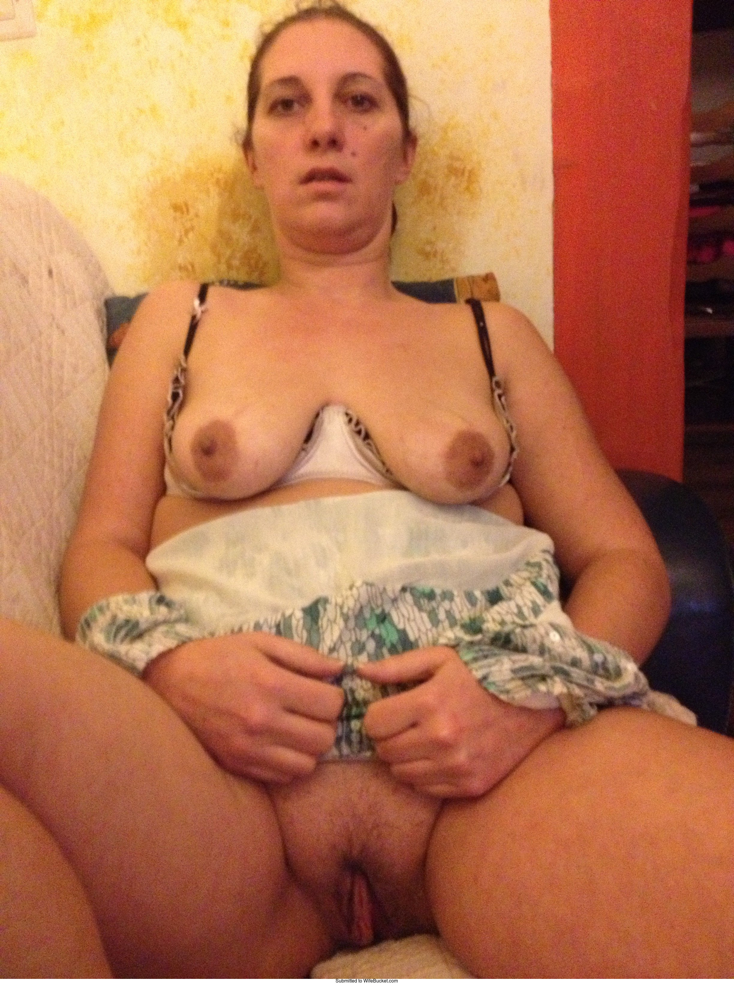 12 MILF pussy pictures uploaded by members  WifeBucket