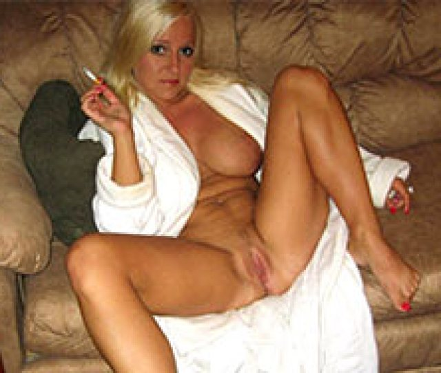 Hot Amateur Milf All Naked On The Sofa