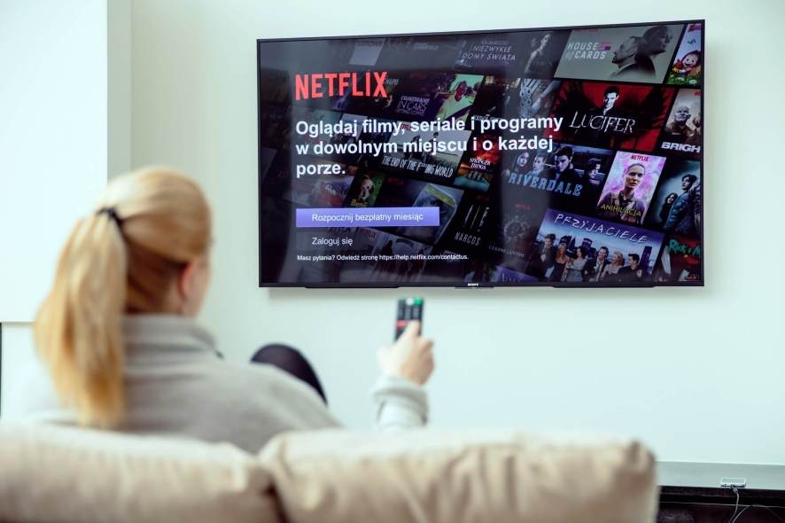 How to use Hola VPN for Netflix