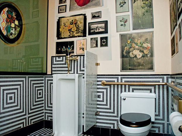 3 well-designed restaurant bathrooms