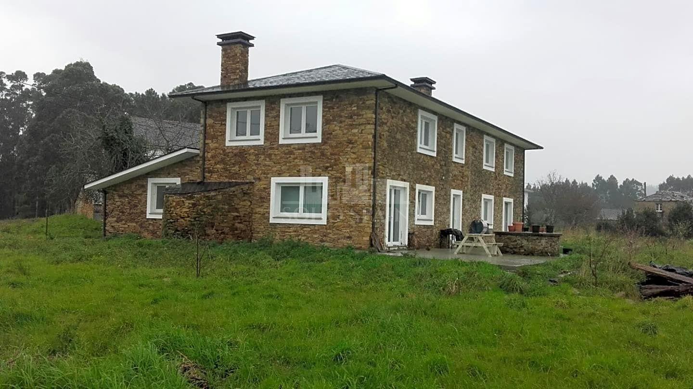 Casa Rstica en venta en Ortigueira de 355 m2