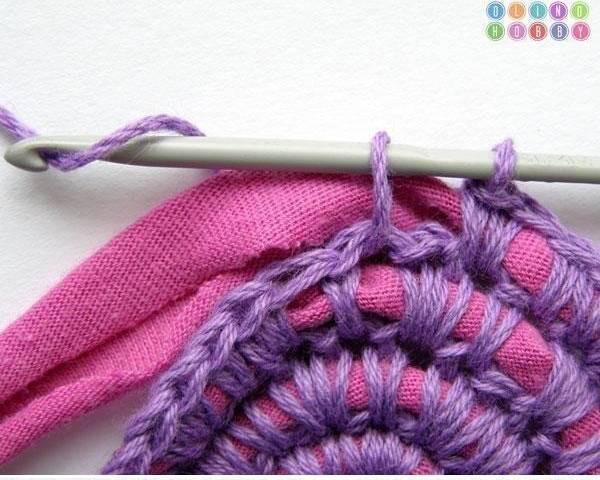 Wonderful DIY Crochet Rug From Old Tshirt