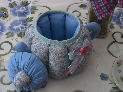 Wonderful DIY Sewing Teapot Storage