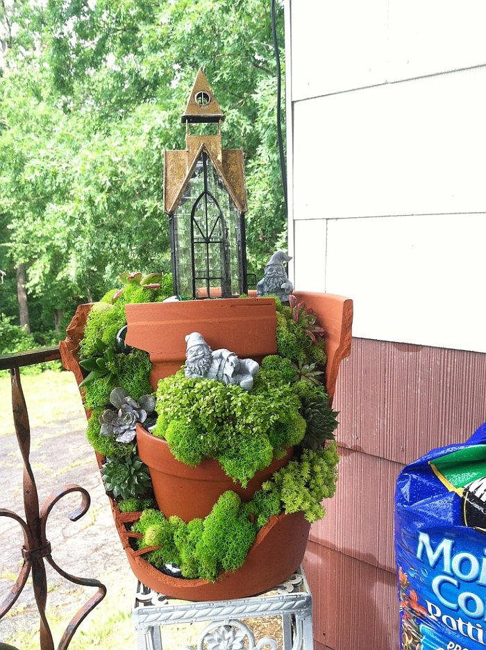 Mini Fairy Garden Ideas For Your Broken Pots