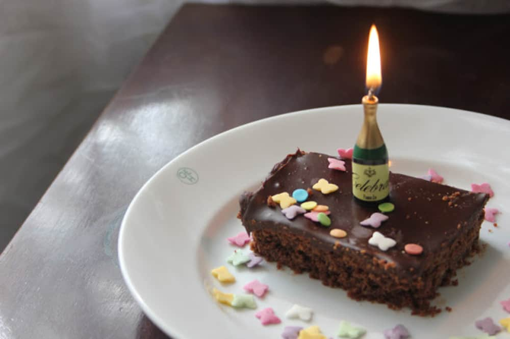 Vegan Birthday Cakes That Everyone Can Enjoy