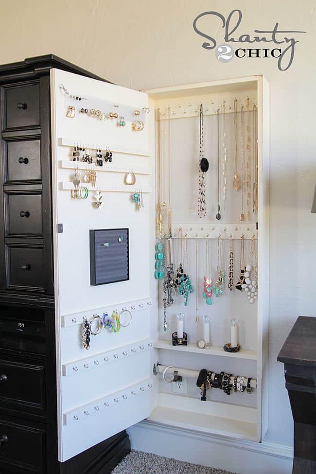 11 Nifty DIY Ways To Organize Your Jewelry