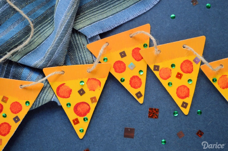 Celebrating the Love of Pizza with 12 DIY Pizza Crafts