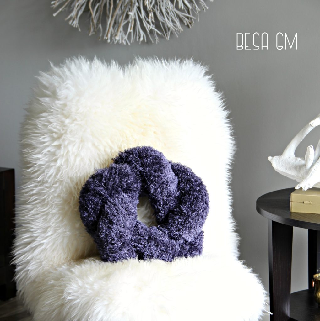 The Hottest Modern Trend DIY Knot Pillows
