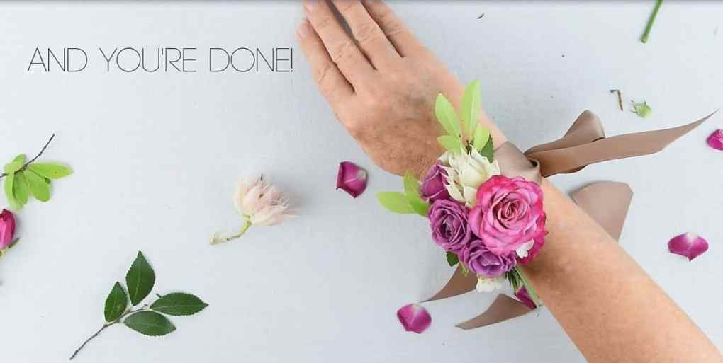 15 Beautiful DIY Corsages