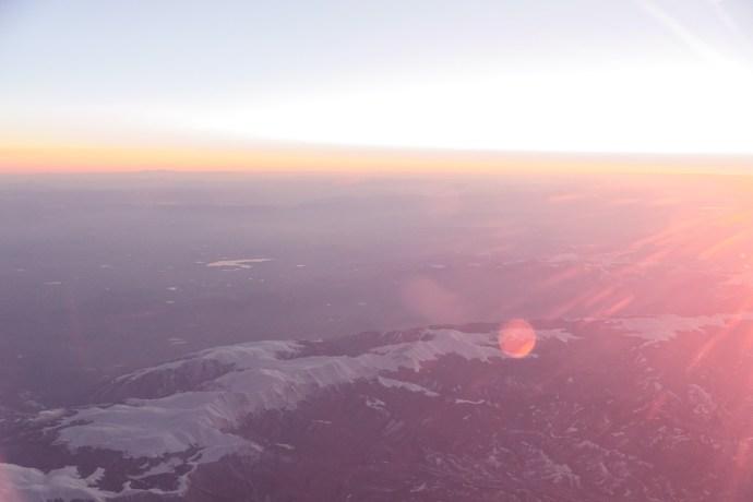 Blick aus dem Fenster bei Sonnenuntergang