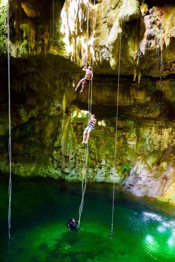 alltournative_ek_balam_cenote_maya_worldtravlr_net_web-