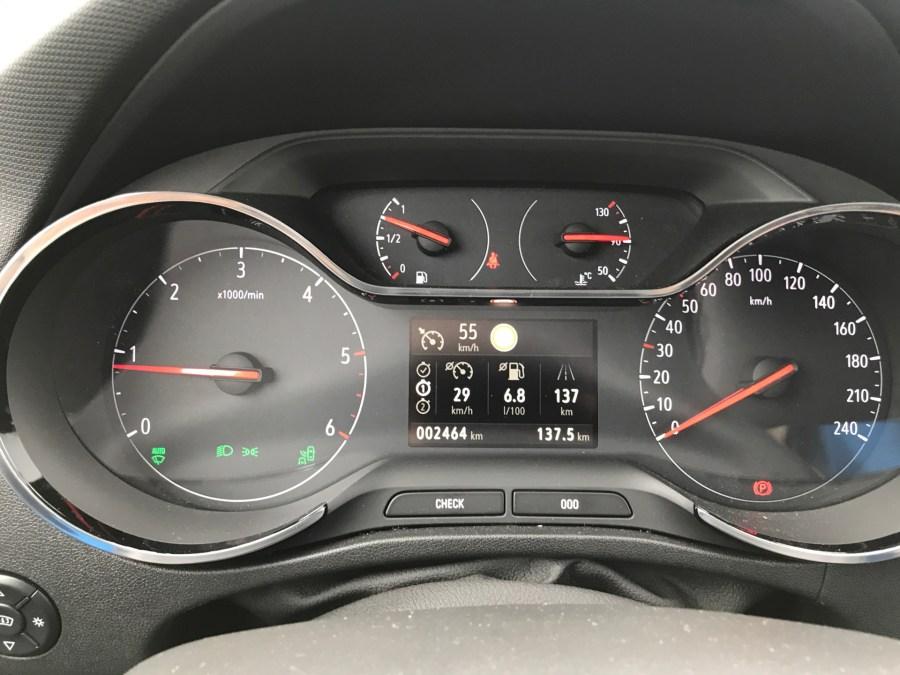 Opel Crossland X - Tacho Überblick