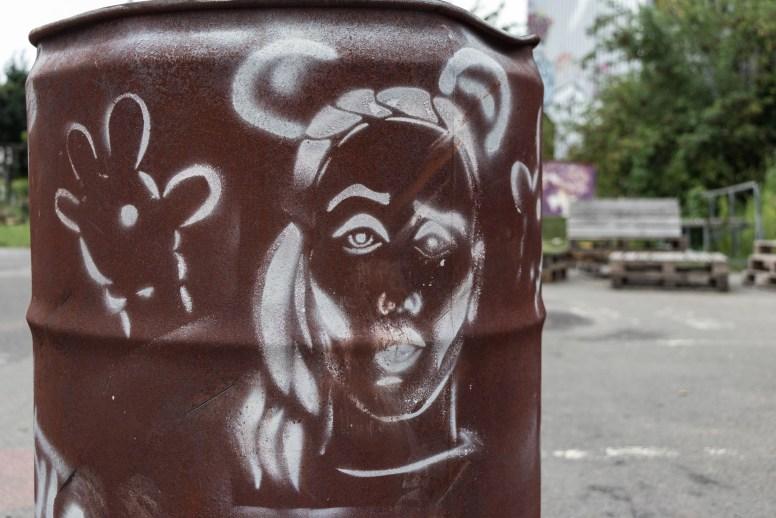 Außengelände des Lost Place Teufelsberg in Berlin