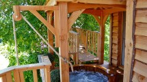 Romantic-treehouse-with-hot-tub-09 Wowow Home Magazine